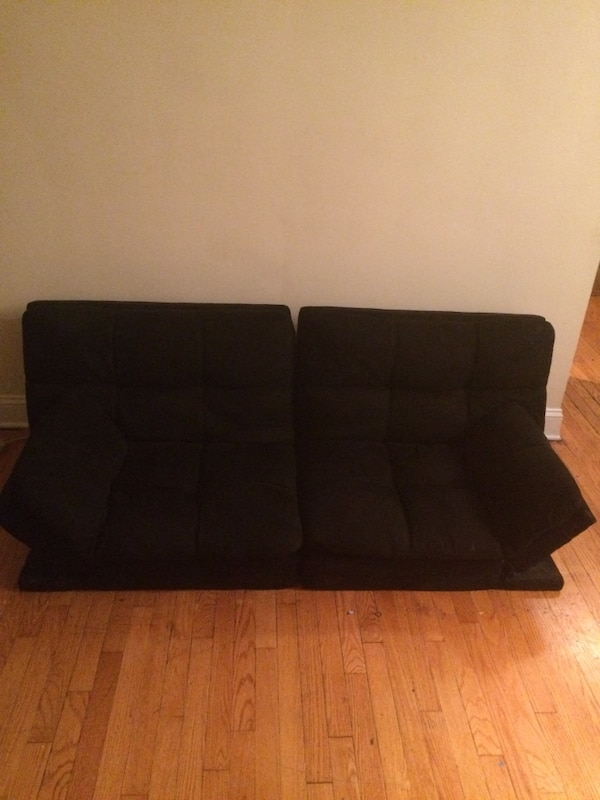 Retractable and Versatile Futon  40dda8ad-798d-4548-9d4b-4ec308b1786c