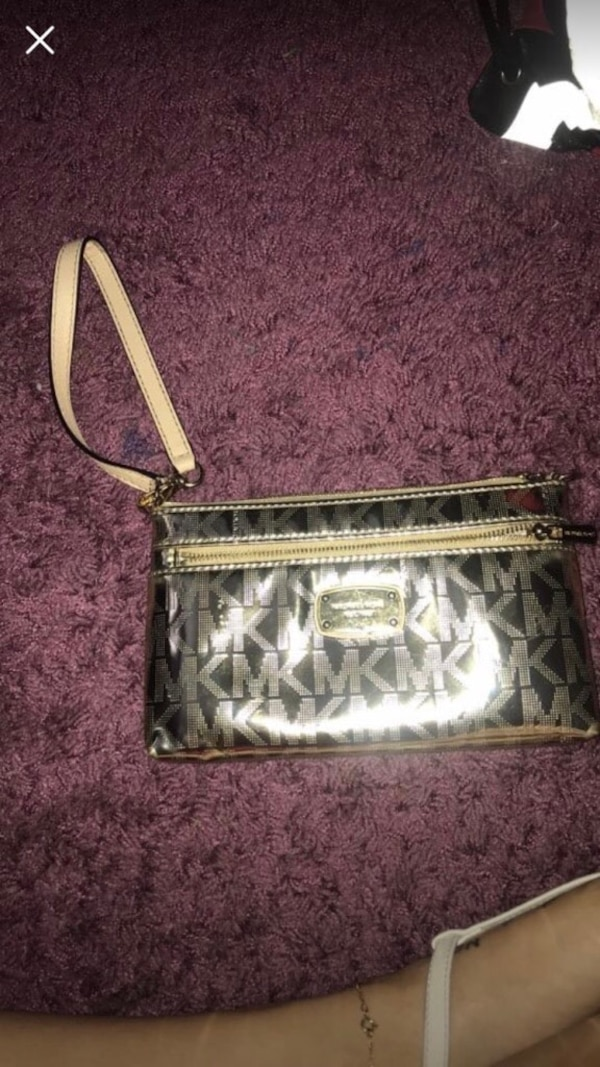 66b53564f1e5 Used gold michael kors leather crossbody bag for sale in Feasterville ...
