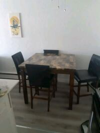 Table and chairs for sale Victoria, V9A 3P6