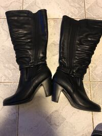 Wide calf rouched boots size 8