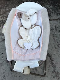 baby's white and gray bouncer Moreno Valley, 92553