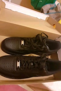 Its new i havent wear this yet and it comes with a special seed sz 9.5