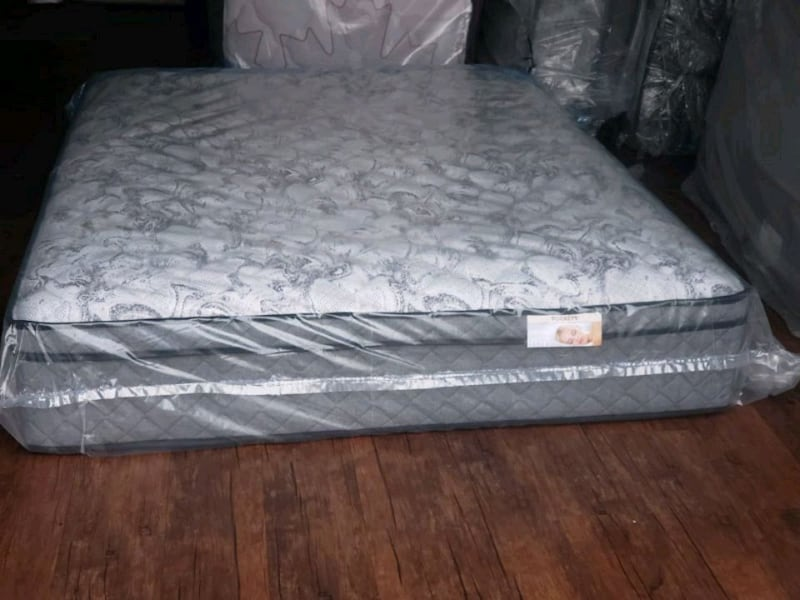 New Queen mattress pocket coil set. DELIVERY available ff33b089-9576-474a-8235-f683f65aa0e3