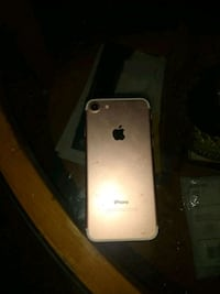 Rose gold 7s  Sprint and a iPhone 5 at&t