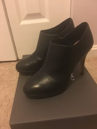 Vince Camuto size 6.5 leather Montgomery Village, 20886