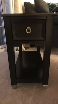 Lift top cocktail table with matching end table  Bel Air, 21014