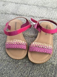 Pair of pink-and-brown leather sandals Richmond Hill, L4E 4E9