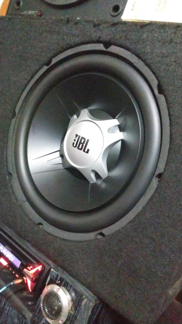 Jbl gt5 12 1100 watt subwoofer bass 1