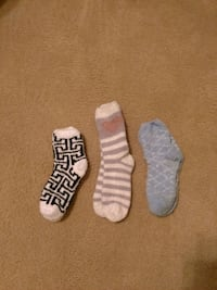 $2 for all three pairs of fuzzy socks Killeen, 76549