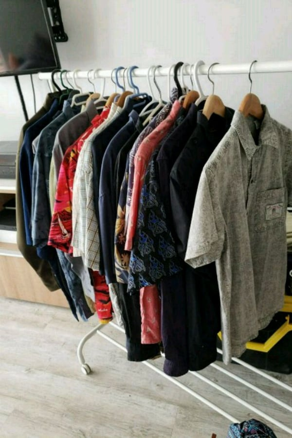 Collection of 20 mens shirts in various sizes 791807ef-2d99-467b-8e3d-41aee713c3a1