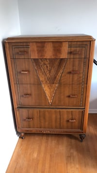 Antique dresser  Ottawa, K1J 6K5