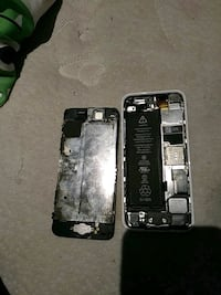 Iphone 5c 64gb needs replacement screen  St. Catharines
