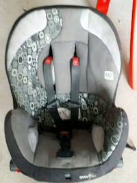 baby's gray and black car seat carrier Winnipeg, R2W 0V7