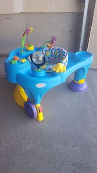 Baby play center and walk support  Ottawa, K2J 4G3