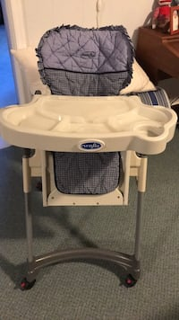 Evenflo high chair Arlington, 22213