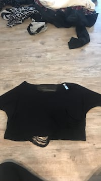 black crop top with revealing back Plano, 75093