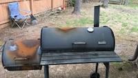 black and gray gas grill