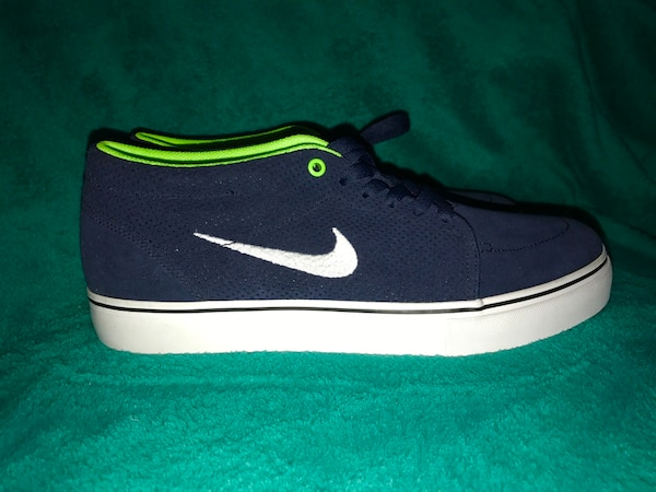 new style c85d0 4fb2d Used Nike SB -Seahawks Colors for sale in Portland - letgo