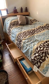 Single bed and mattress and boxSpring all of it Edmonton, T5A