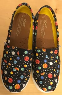 New TOMS girl shoes sz 4 youth not baby $30 firm shoes are NEW  Edmonton, T5W 0P8