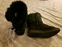 pair of black sheepskin boots Baltimore, 21227