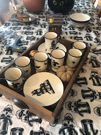8 Halloween dishes and mugs in wooden tray Downers Grove, 60516