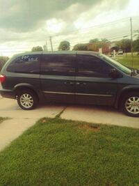 Chrysler - Town and Country - 2001 Oklahoma City