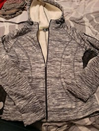 grey zippy hoodie  Welland, L3B 3B9