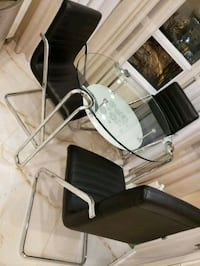 Glass table 31 inch and 3 chairs Vaughan, L4J 7Y3