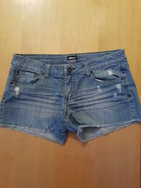 Dollhiuse denim shorts
