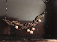 brown floral white pearl pendant necklace