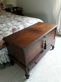 brown and gray wooden chest box Brantford, N3T 6A5