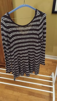 black and white striped long-sleeved shirt Gatineau, J8T 1S9