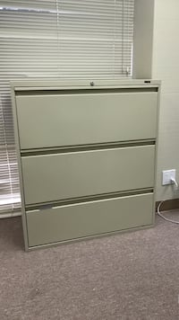 3 drawer lateral file cabinet, no key Newport Beach, 92660