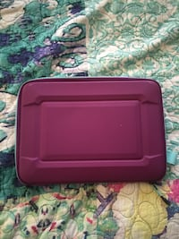 red and black plastic case Toano, 23168