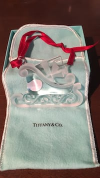 Clear cut glass tiffany&co. sleigh decor with drawstring pouch New York, 11374