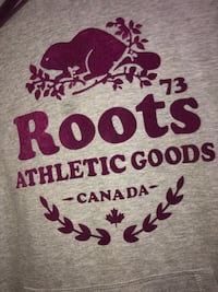 Roots sweater Montréal, H3J 1J3