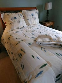 Queen-size comforter, two pillow shams Gaithersburg, 20886