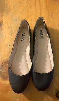 size 6.5 womens Slip Ons