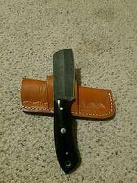 black handle knife with sheath Richardson, 75081