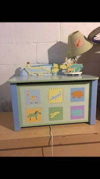 Animal toy box and lamp Dundalk, 21222