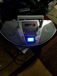 PANASONIC/MP3/CD/RADIO CASSEETE  London, N6P 0E2