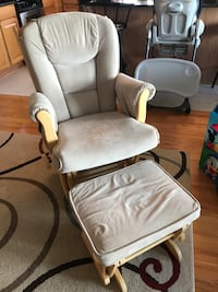 white padded glider chair with ottoman Chicago, 60634