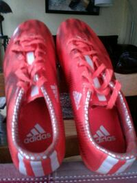 SOCCER   shoes ADIDAS SIZE 7 BRAND NEW Pickering, L1V 1W5