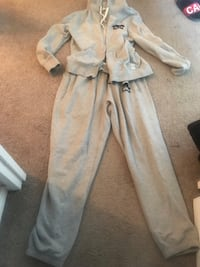 Light grey roots track suit