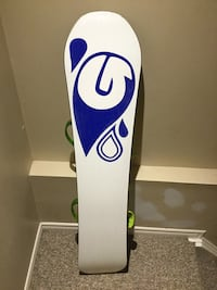 white and blue snowboard with bindings Burlington, L7L 5S6