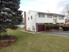 HOUSE For rent 1BR 1BA @ 11 Rye Ct, Bay Shore, NY 11706