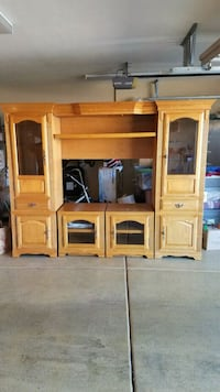 Beautiful wall unit. excellent condition