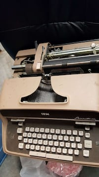 antique IBM typewriter with case Washington, 20032