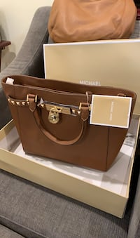 michael kors purse Medford, 02155